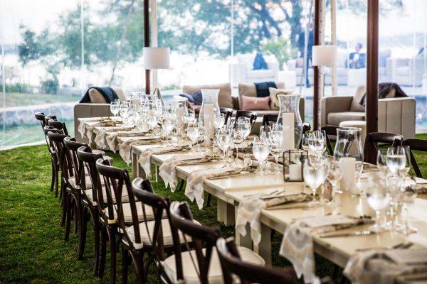 elegant-house-island-wedding-11-600x400