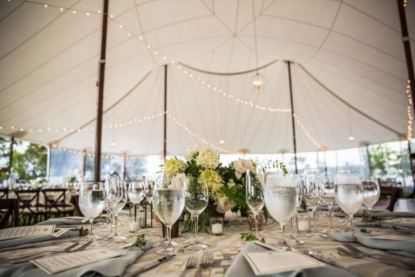 elegant-house-island-wedding-13-600x400