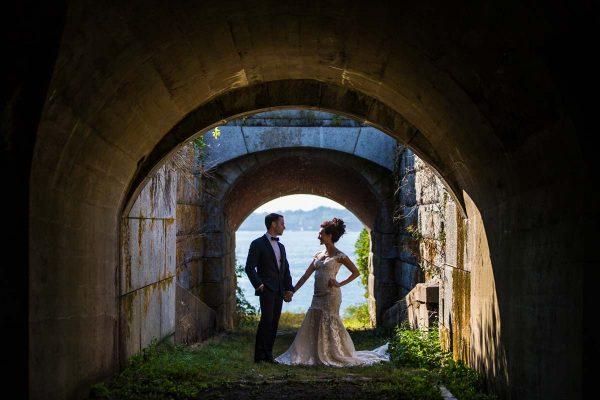 elegant-house-island-wedding-17-600x400
